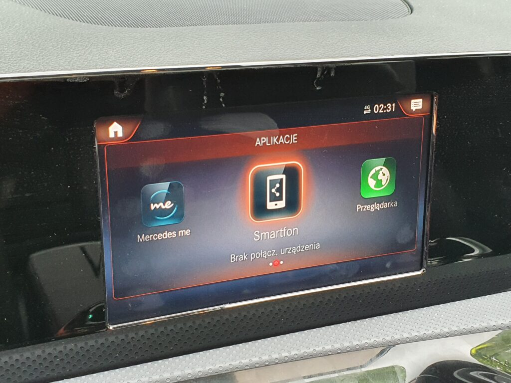 Mercedes A-klasa V177 z rynku amerykańskiego - doposażenie w reflektory MULTIBEAM LED , przeróbka tylnych lam, konwersja na EU systemu multimedialnego MBUX HU6 NTG6, atywacja CarPlay, AndroidAuto i AMG Preformance.